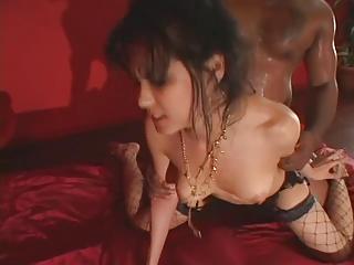Japan beauty Maria Ozawa goes black