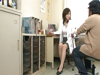 Mature womanlike doctor increased by Broad in the beam threatening cock