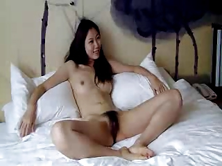 Distant hairy Chinese girl to be sure agrees to do nude photoshoot