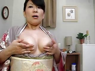 geisha mature pulled her nips