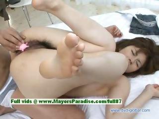 Yuzuru beautiful japanese babe gets pussy fingered