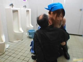 Asian upkeep little one cleans obloquy part1