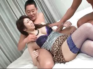 Asian whore doing blowjob