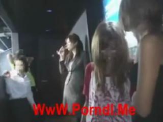 [Japan Porn] Milf Public Hardcore Fuck In WC - 01