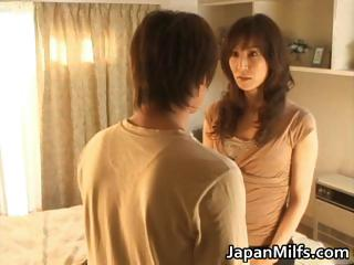 Extremely horny japanese MILFS sucking part1