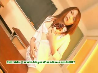 Nazuna Otoi innocent ill-tempered japanese school enjoys bonking students