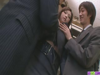 Duo Guys Make the beast with two backs And Creampie Aiko Hirose At The Office